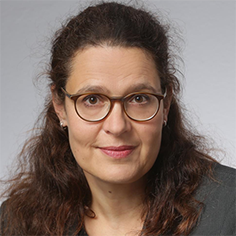 Dr. Judit Tuschak